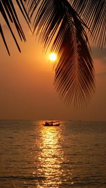 COUCHER DE SOLEIL SUR KHO CHANG-THAILANDE 2007-1
