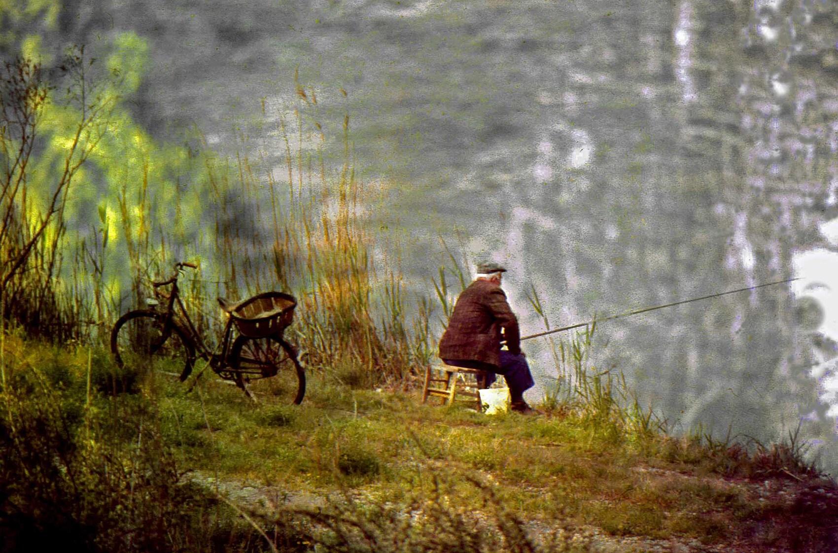 Le pêcheur - Le fichier 20€ - Tirages tous formats voir mon site sur mon profil