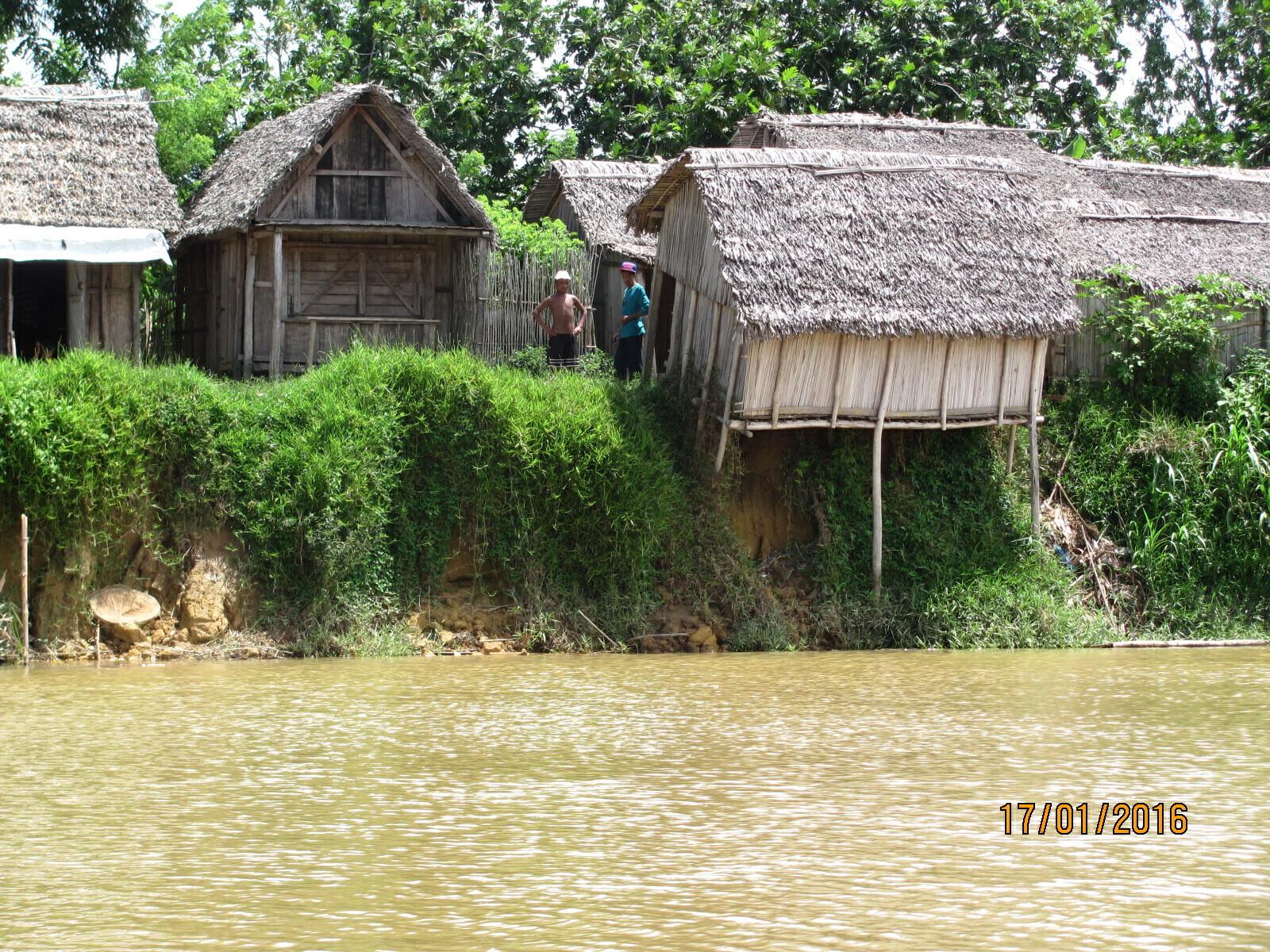 canal des Pangalanes, habitation branlante...