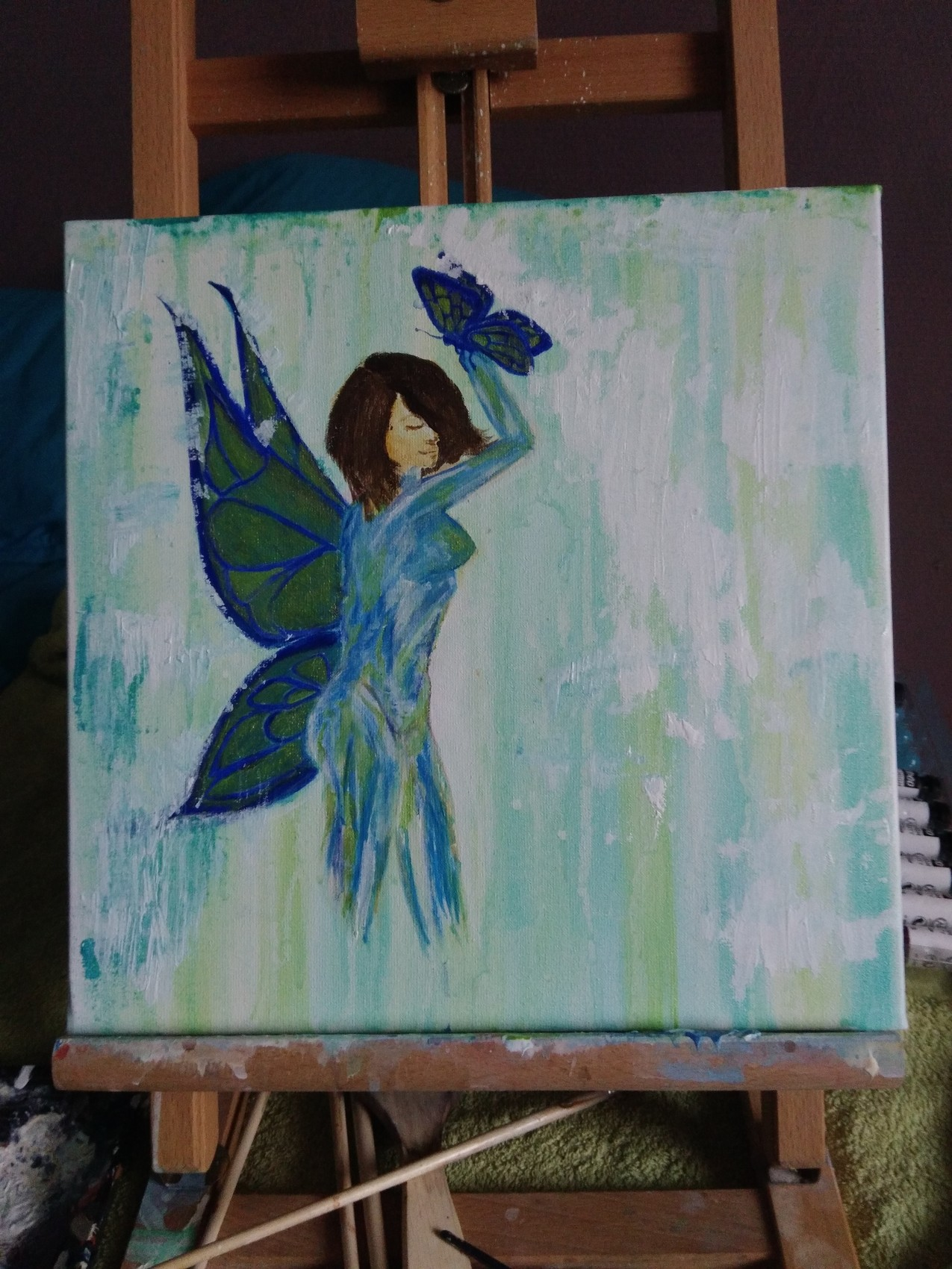 Blue papillon women
