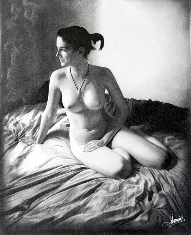 Des seins normes en cours de dessin de nu - Hentai