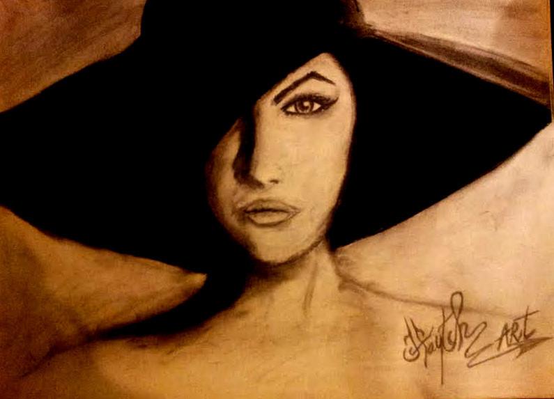 Femme chapeau noir