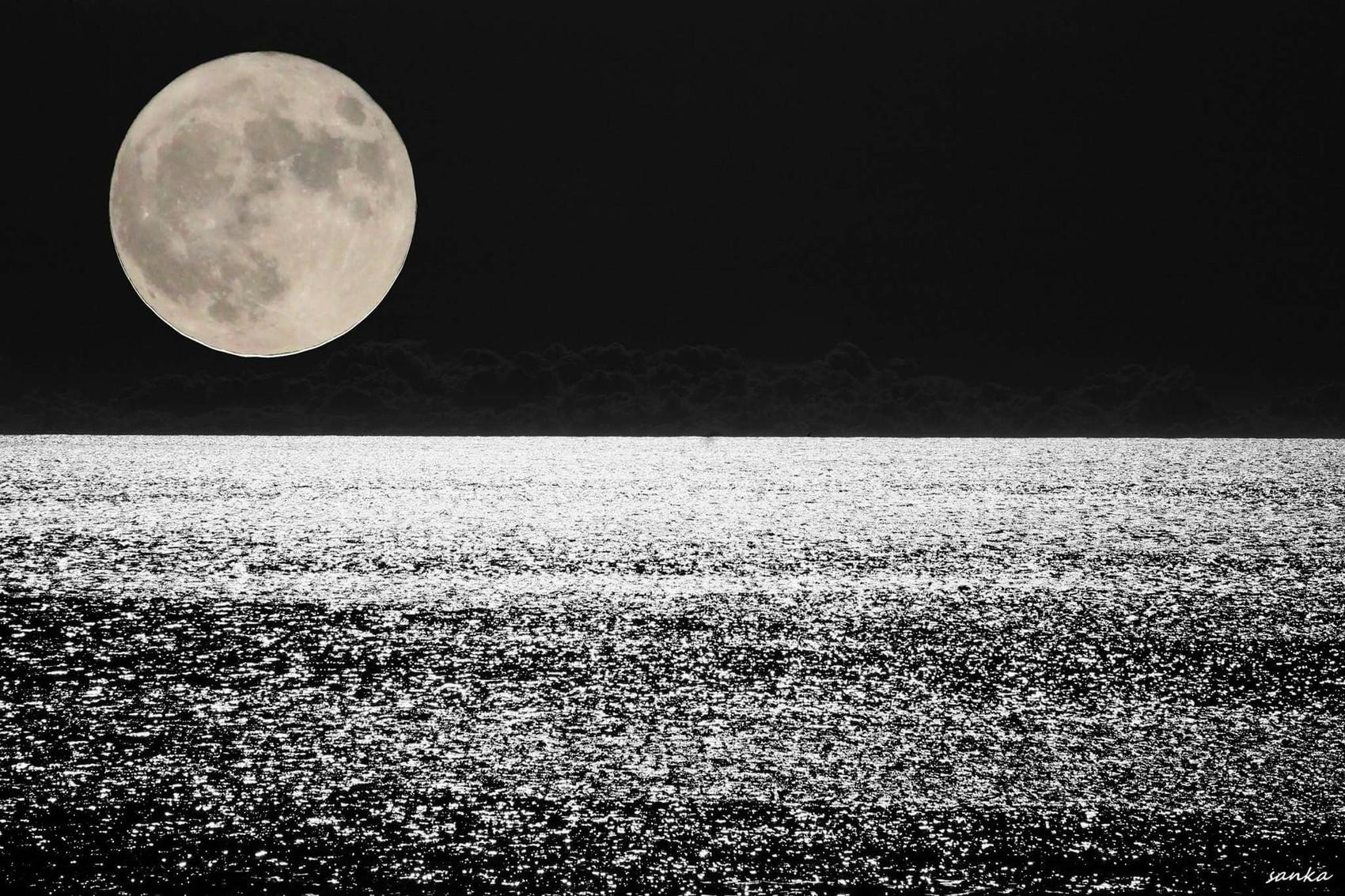 Lever de super lune