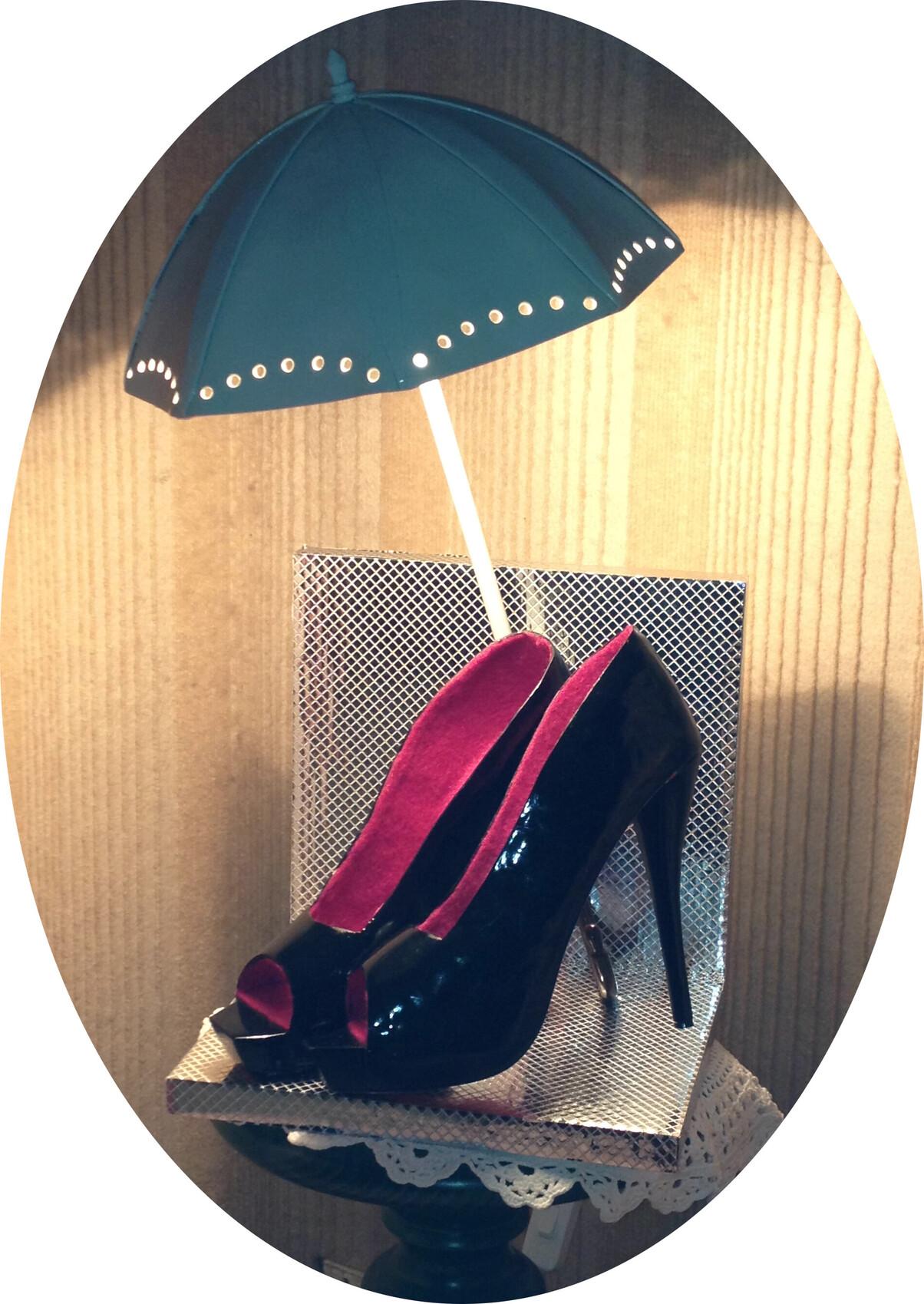 Lampe escarpins et ombrelle