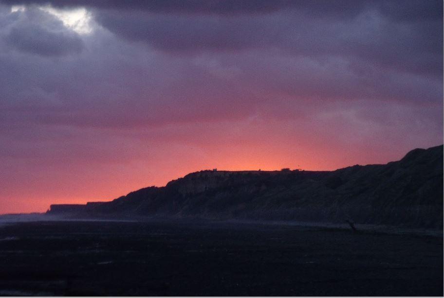 Une falaise lunaire