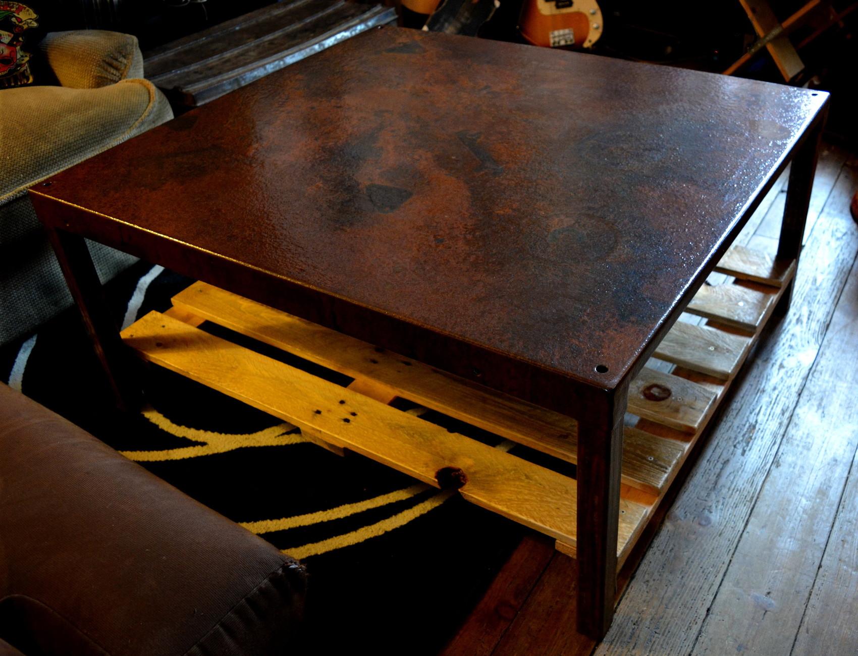 Sculpture table basse bois et fer for Table basse bois et fer