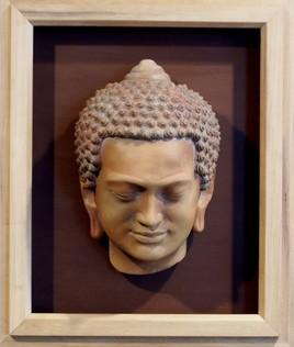 Buddha. med: 42x48x14 cm.