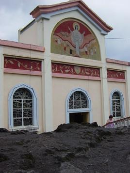 Eglise épargnée par le piton de la Fournaise...