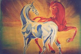 chevaux bleu et rouge