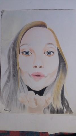 les visages des femmes sont intéressants