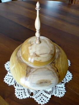 B04 Boîte déco en mûrier platane et fleuron d'olivier