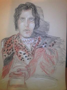 Oscar Wilde pose avec un Grammy award saluant son oeuvre d'avant-garde protopunk
