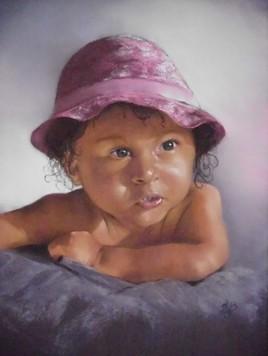 petite fille au chapeau rose