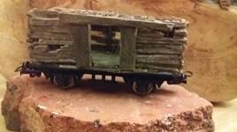 Un wagon de marchandise en bois !