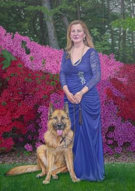 Portrait de femme à la robe bleue et son chien