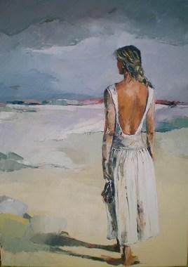 femme debout vue de dos, se promenant