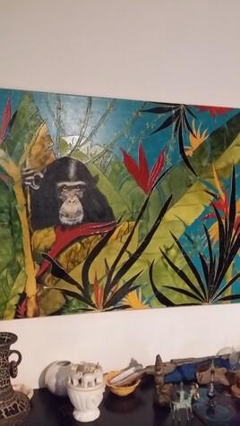 Chimpanzé dans la jungle