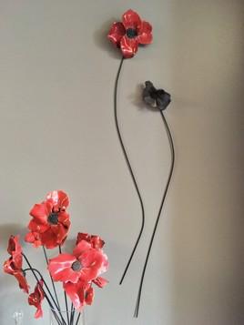 coquelicots en raku sur tiges sur votre mur