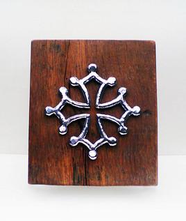 Sculpture croix occitane zinc