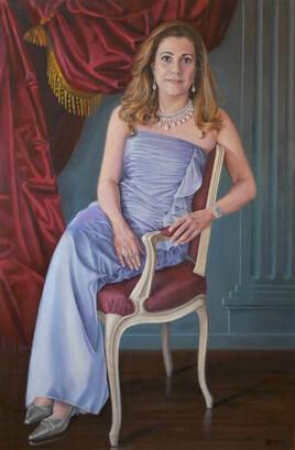 Portrait de femme en robe bleu clair