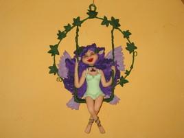Elfe sur balançoire