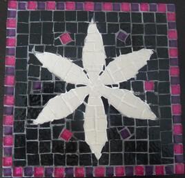 tableau fleur blanche fond noir
