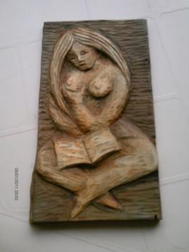 lectrice aux seins nus