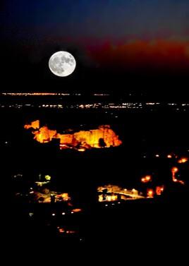 La grosse lune - Le fichier 20€ - Tirages tous formats voir mon site sur mon profil