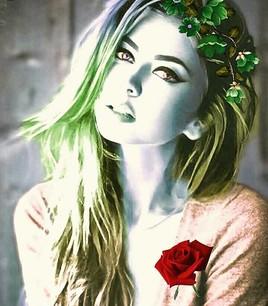 Femme aux cheveux verts