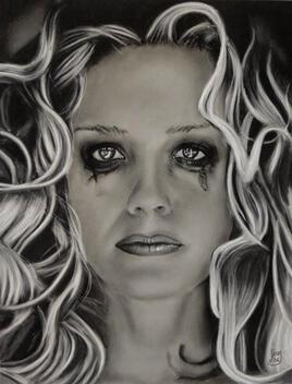 Belle inconnue en pleure