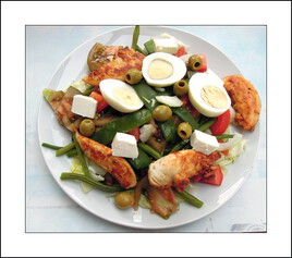 Photo / Mes petits plats /  Salade haricots vert, aiguillettes de poulet, tomates, oeufs durs.....
