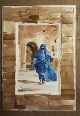 Femme de taroudant (sud de Maroc) habillé en IZZAR Bleu.