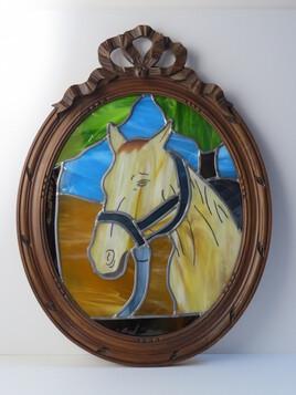 Le cheval au pré