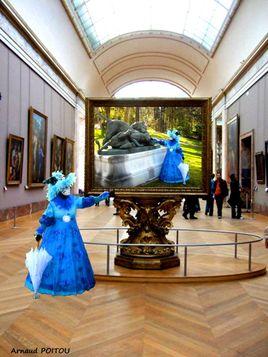 Les Costumés entrent au Louvre