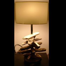 LAMPE EN BOIS FLOTTE