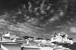 Photo Les toits dans les nuages