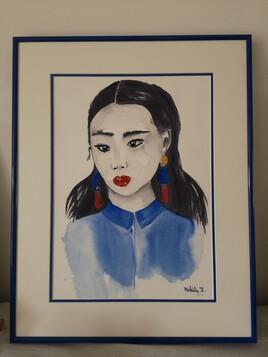 L asiatique en bleue encadree