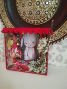 La maison du petit lapin triste