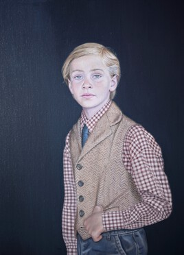 Portrait jeune homme au gilet beige