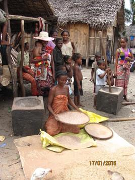 la condition féminine et monde rural 1:  Madagascar