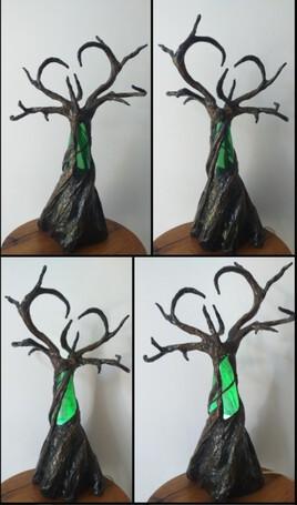 Arbre aux branches en forme de cœur