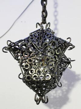 Soudure / Sculpture : Lanterne médiévale / Forme flèche.