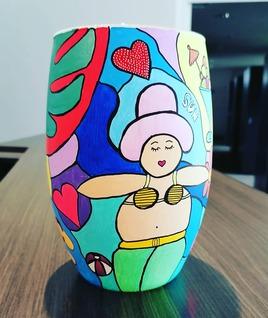 Vase face 3