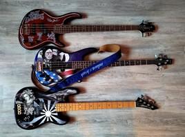 guitar bass airbrush ... indians.r.brush Nimes