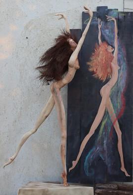 danseuse sculpture sur bois