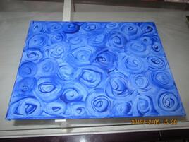 boutons de roses bleues