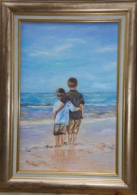 deux enfants au bord de l' océan