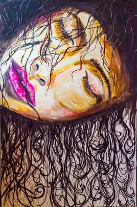 Femme aux cheveux mouillés