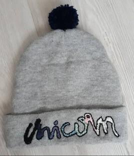"""Bonnet """"Unicorn"""" avec un pompon"""