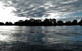 au bord de l'eau..